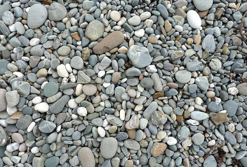800px-Renvyle_beach_stones_(3585122829)